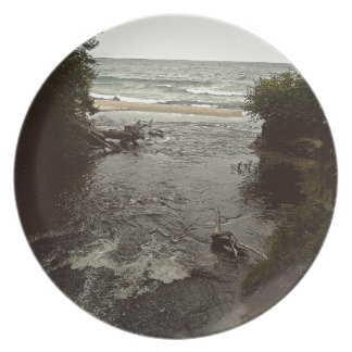 Waterfall in the beach dinner plates