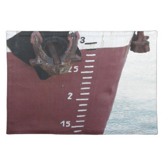 Waterline marked on the ship with scale numbering placemat