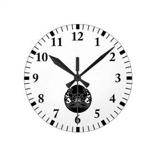 Wave moon rabbit clock