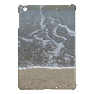 Wave of the sea on the sand beach iPad mini cover