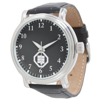 Wave-shaped Kanji characters for three in Oshiki Watch