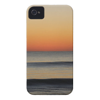Waves in you Horizon iPhone 4 Covers