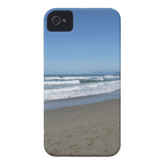 Waves of the sea on the sand beach Case-Mate iPhone 4 case