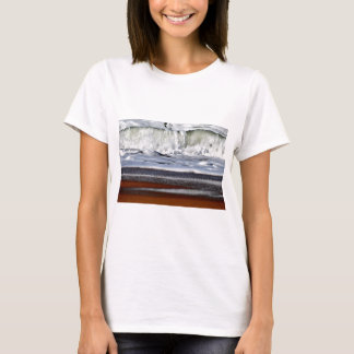 WAVES QUEENSLAND AUSTRALIA T-Shirt