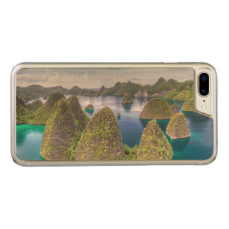 Wayag Island landscape, Indonesia Carved iPhone 8 Plus/7 Plus Case