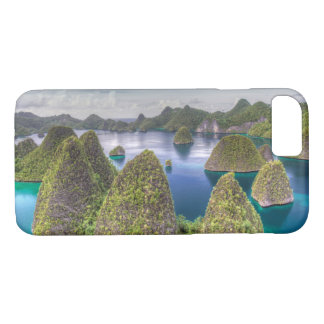 Wayag Island landscape, Indonesia iPhone 8/7 Case