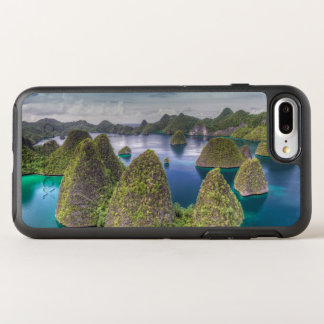 Wayag Island landscape, Indonesia OtterBox Symmetry iPhone 8 Plus/7 Plus Case