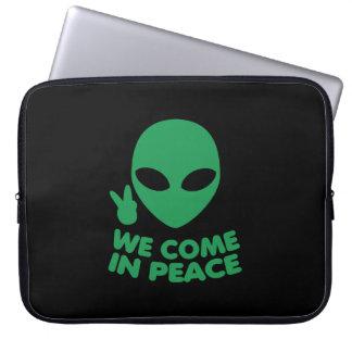 We Come In Peace Alien Laptop Sleeve