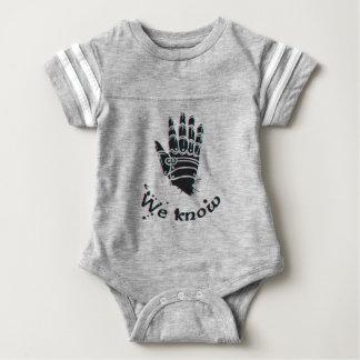 we know design cute baby bodysuit