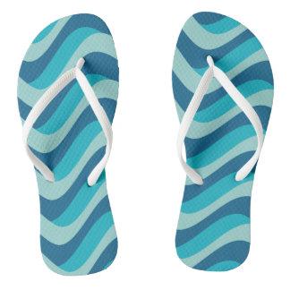 wear your waves, blue summer looks flip flops