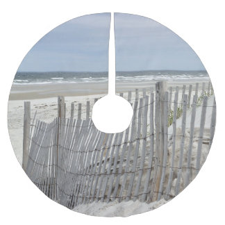 Weathered beach fence and ocean beach brushed polyester tree skirt