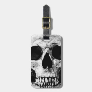 Weathered Old Skull - Black & White Luggage Tag