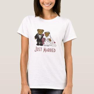 Wedding Bear , Just Married Ladies T T-Shirt