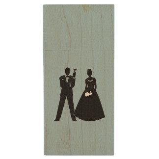 Wedding Couple's Flash Drive Wood USB 2.0 Flash Drive