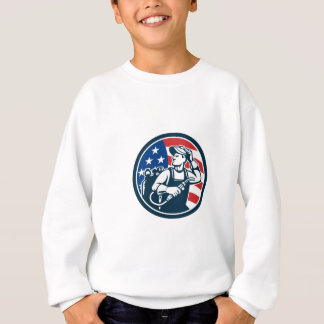 Welder Looking Side USA Flag Circle Retro Sweatshirt