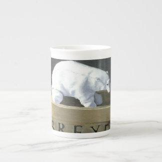 Where is a Polar Bear to Live? II Tea Cup