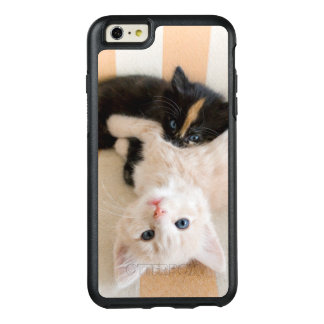 White And Black Kitten Lying On Sofa OtterBox iPhone 6/6s Plus Case