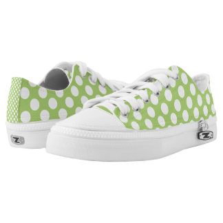 White and green polka dots pattern