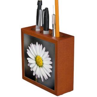 White and yellow daisy desk organizer