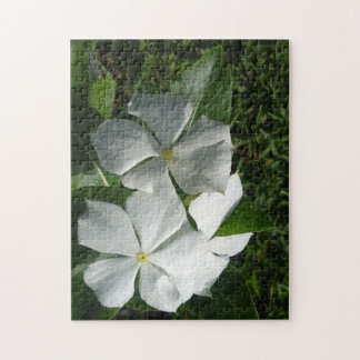 WHITE AND YELLOW FLOWERS JIGSAW PUZZLE