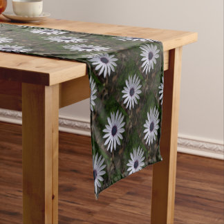WHITE CAPE DAISY FLOWER Table Runner Cloth