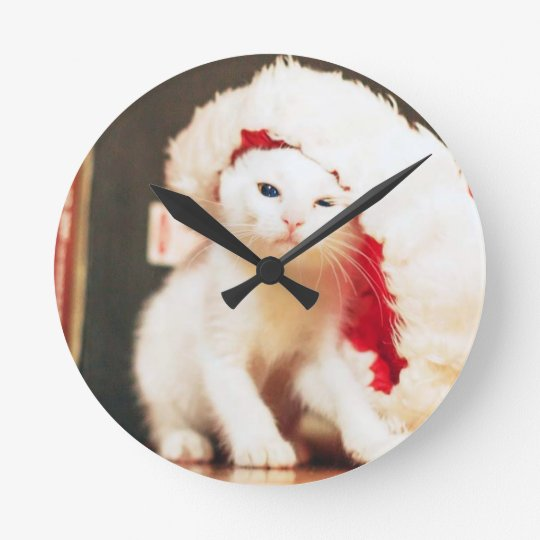 White Christmas Cat Round Clock