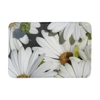 White Daisy Flowers Bath Mat