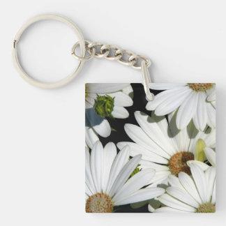 White Daisy Flowers Keychain