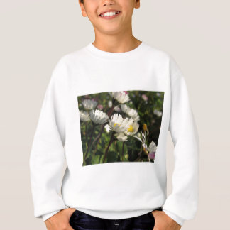 White daisy flowers on green background sweatshirt