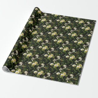 White daisy flowers on green background wrapping paper