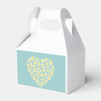 White Daisy Heart Gable Favour Box