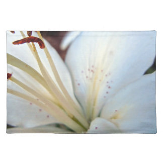 white lily pretty placemat