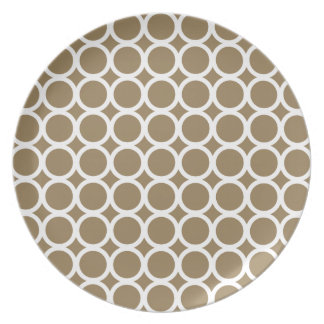White Rings on Coastal Khaki Plate
