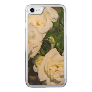White Roses in Bloom - Flower photography Carved iPhone 8/7 Case