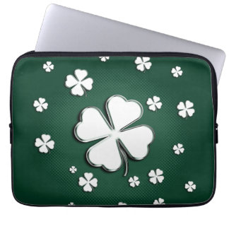 White shamrocks on green background Laptop Sleeve