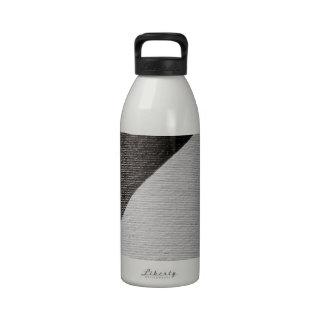 White Stripe Cylindrical Brick Wall Drinking Bottle