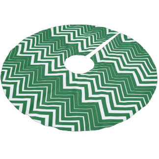 White Zigzag Chevron Over Green Background Brushed Polyester Tree Skirt