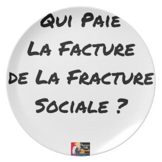 WHO PAYS THE INVOICE OF THE SOCIAL FRACTURE PLATE