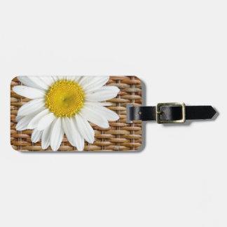 Wicker Daisy Luggage Tag