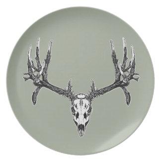 Wide buck skull party plate