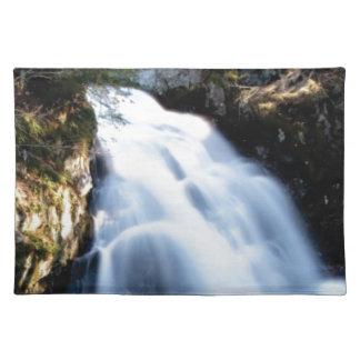 widening waterfalls placemat