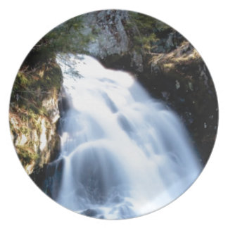 widening waterfalls plate