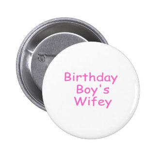 Wifey du garçon d'anniversaire badges avec agrafe