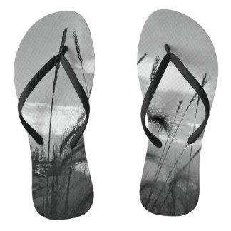 Wild Wheat Silhouette Motif Flip Flops