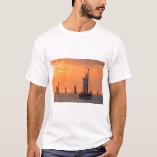 Windjammer in sunset light T-Shirt
