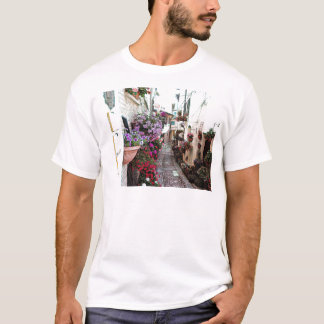 Windows, balcony and flower alleys in Spello T-Shirt