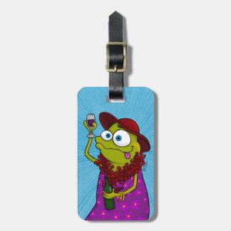 Winnie loves wine, luggage tag