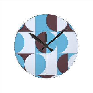 Winter colored 60ies retro circles clock