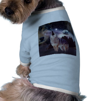 Wolf in the moon howling at the earth pet t shirt