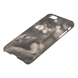 Woman Making Gorilla Laugh iPhone 8/7 Case